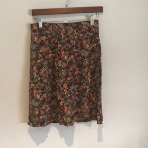 3/$30❗️Floral A-line skirt - Size S
